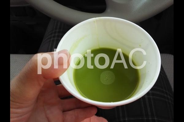 お茶を飲むの写真