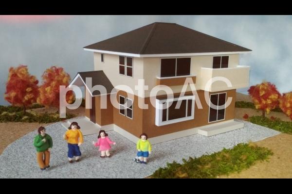 四季の家幸せ家族・秋の写真
