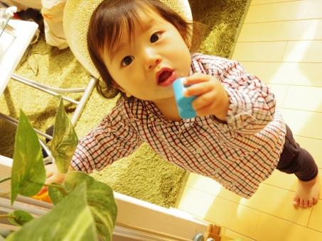 カウボーイ リビング ハット 白ハット 男の子 植物 ロハス インテリア ラグ チェック チェックシャツ 春 春服 フローリング 子供 子ども こども あかちゃん 赤ちゃん キッズ
