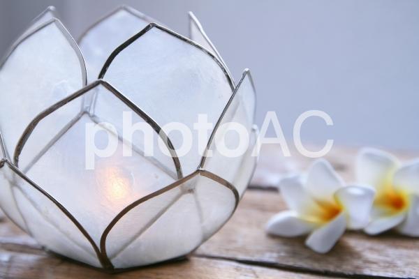 キャンドルの灯りの写真