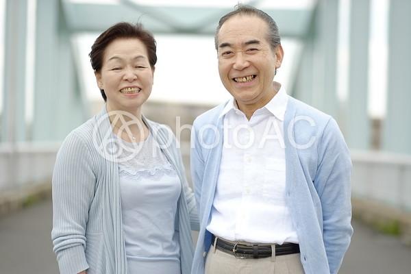 笑顔の老夫婦13の写真