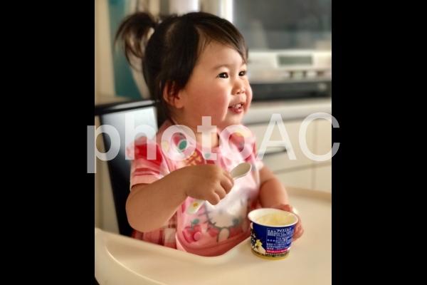 アイスクリームも大好きの写真