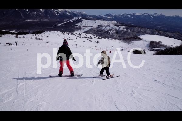 親子スキーの写真