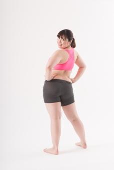 日本人 女性 ぽっちゃり 肥満 ダイエット 痩せる 痩せたい 目標 ビフォー アフター 太っている 太り気味 メタボ メタボリックシンドローム 脂肪 体系 ボディー 白バック 白背景 お腹 ウエスト ポーズ ポージング 全身 後ろ姿 背後 背中 手を腰におく 立っている mdjf020