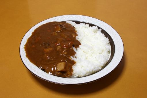 カレー ライス カレールー ルー 食事 食べ物 飲食 家のカレー 家庭のカレー レトルトカレー インスタントカレー 日本 国民食