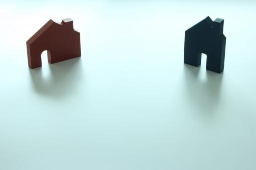 家 マイホーム 住まい 家づくり 住宅購入 住まい探し 住まい選び 売買 物件 賃貸 戸建て 一戸建て 会社 会社選び 住宅会社 住宅メーカー ハウスメーカー プレゼン 提案 比較 価格 住宅価格 金額 グレード 住宅性能 性能評価 二者択一 迷う 選ぶ 比較する