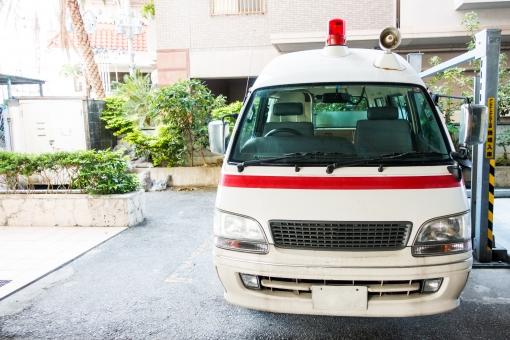救急車 病院 けが サイレン ワゴン 救命士 レトロ 119 救う 駐車場 ドクター ナース 医師 医者 看護師 赤 車 自動車