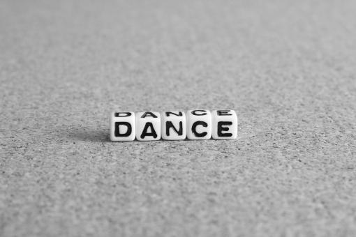 ダンス DANCE DANCE dance Dance リズム 動画 動き 動作 練習 授業 レッスン 学校 スクール スタジオ 講師 ヒップホップ ジャズ JAZZ 音楽 踊り 社交ダンス WEB 自己表現 趣味 振り付け 振付 キッズ ウェブ web