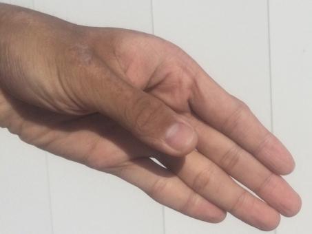 ハンド hand 掌 パーツ 左手 健康 血管 占い 手の平 ハンドパーツ てのひら 指紋 関節 手汗 皮膚 スキン 肌 ハンドケア 平手 美容 保湿 乾燥 肌色 ゆび て 手首 手荒れ 男性 手 手のひら 素手 素肌 手入れ 背景 白 白色 white 指 爪 ネイル nail