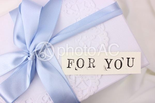 ギフトボックスとメッセージカード6の写真