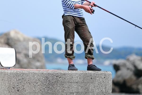 堤防で釣りの写真