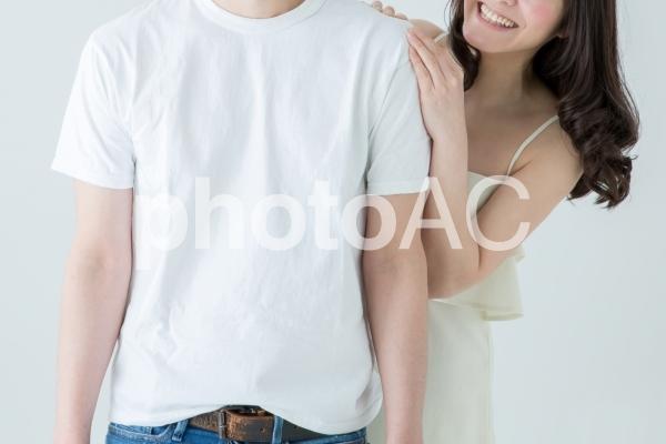 笑顔のカップルの写真