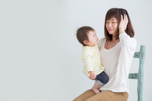 育児ノイローゼの女性の写真