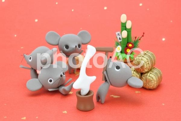 ネズミの餅つき大会の写真