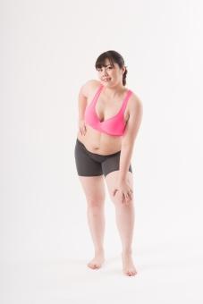 日本人 女性 ぽっちゃり 肥満 ダイエット 痩せる 痩せたい 目標 ビフォー アフター 太っている 太り気味 メタボ メタボリックシンドローム 脂肪 体系 ボディー 白バック 白背景 お腹 ウエスト ポーズ ポージング 全身 正面  立っている 自信 グラビア 誘惑 足に手をおく 足を出す mdjf020