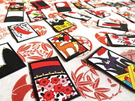 花札 ゲーム ボードゲーム 伝統 カードゲーム かるた 賭博 盤上遊戯 桜 日本 遊び カード