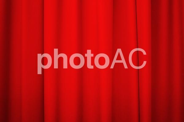 カーテン 赤の写真