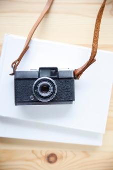 趣味 ホビー カメラ レトロ フィルムカメラ 一眼レフ レフ カメラストラップ ネックストラップ レザーストラップ 黒 ブラック 銀 シルバー レンズ 本格的 おしゃれ 写真 ファインダー 絞り 露出 中古カメラ シャッター デジタル マニュアル オート フィルム ペン ハーフカメラ ハーフ