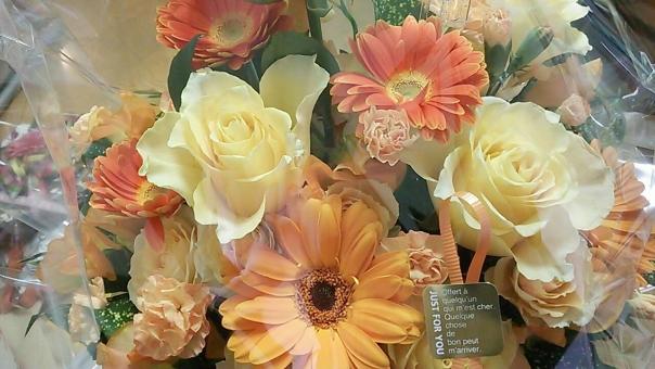 花 はな ハナ 父の日 卒園式 離職 離れる 別れる お別れ さよなら 送別会 送別 離れ離れ お祝い 祝い 花束 はなたば ハナタバ おれんじ オレンジ 橙色 橙 きいろ 黄色 母の日 鮮やか 人気 愛 女性 プレゼント