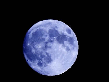 青 月 ブルー ムーン お月さま カラー 合成 夜 夜空 宇宙 地球 クレーター 静か 穏やか 心 落ち着く 力 パワー 加工 色 紺色 あお リラックス 癒し ヒーリング 黒 背景 テクスチャ 壁紙 イメージ