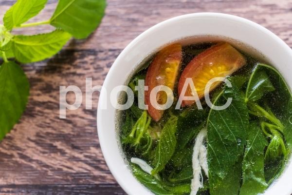 夏バテ解消!モロヘイヤスープの写真