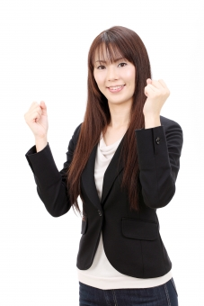 女性 人物 ビジネスウーマン キャリアウーマン 30代 三十代 日本人 女 人 笑顔 えがお ポートレート モデル 美しい 美人 きれい 綺麗 ビジネス オフィス スーツ 会社 会社員 企業 仕事 働く 職場 ol 秘書 手 ガッツポーズ 楽しい うれしい 成功 やる気 元気 活力 喜ぶ 満足 拳 ガッツ ポーズ 朗らか にこやか ほほえむ 微笑む ほほえみ 微笑み 白 背景 白バック 白背景 スタジオ撮影 スタジオ 無地背景 1人 一人 余白 コピースペース アップ 上半身