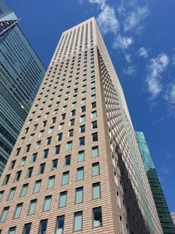 ビル 高層ビル ビルディング 汐留 都内 都会 東京都 高いビル 空 空とビル 見上げた ビルを見上げた ビジネス 日本 経済 社会 日本経済 社会人 サラリーマン 雇用 景気 好景気 不景気 大企業 為替 相場 市場 業界 動向 japan