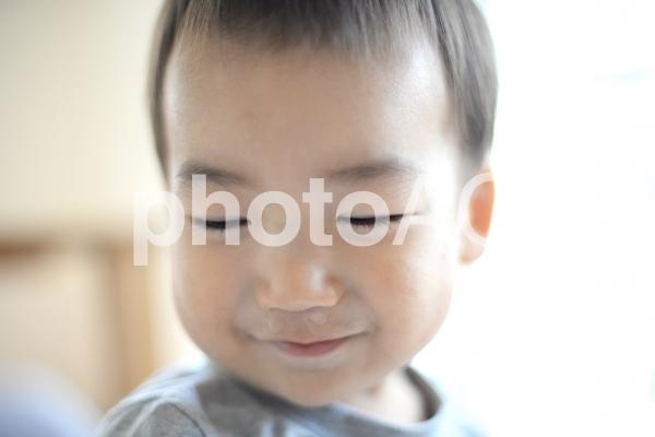 鼻水出てる男の子の写真
