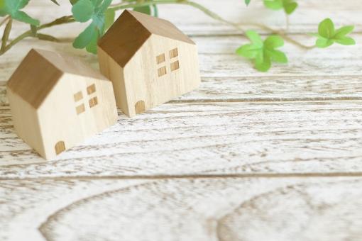 木製の家の写真