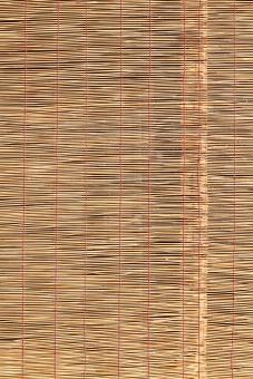 簾 すだれ スダレ インテリア 竹 竹材 枝 日よけ 日除け 清涼 夏 涼しい 涼しさ 涼 風情 風流 情緒 和 和風 雑貨 背景 素材 葦 アジア 日本 文化 日本文化 伝統 バックグラウンド 茶色 黄色 質感 テクスチャ テクスチャー 模様 パターン 糸 紐 編む 部分 一面 全面 フルフレーム アップ クローズアップ