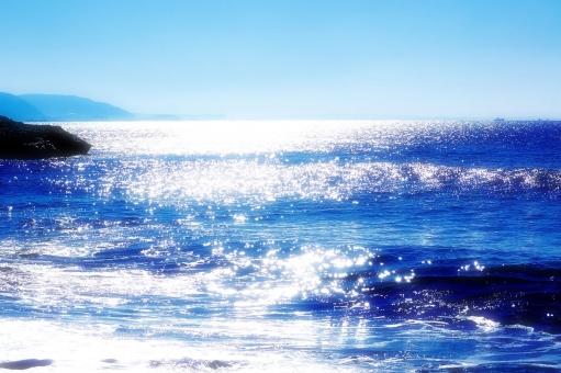 湘南 海岸 きらきら 青空 海 水平線 風景,景色,自然,海面,海,波,水面,輝き,キラメキ,キラキラ,光,反射,幻想的,抽象的,ヒーリング,癒し,模様,夏,思い出,質感,一面,背景,バックグラウンド,青,ブルー,マリンブルー うみ,海,海岸,海辺,浜,砂浜,景色,風景,自然,爽やか,湘南,神奈川,ビーチ,波,飛沫,しぶき,海面,水面,水,風,海水浴,夏,リゾート,癒し,環境,空,雲,サーフィン,サーファー,ボード,人物,早朝,爽やか,スポーツ,マリンスポーツ,湘南,神奈川,ビーチ,波,ウェーブ,海水浴,