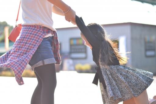 親子 ママ 子供 こども 子ども 女の子 楽しい 喜ぶ 遊ぶ 触れ合う  mdfk023