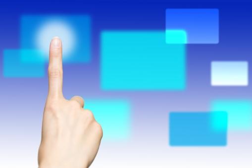 タッチパネル タブレット テクノロジー 指 女性 手 選択 ビジネス 押す 選ぶ 未来 モニター 操作 仕事 ボタン インターフェイス セレクト パソコン コンピューター
