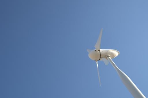 青 風車 風力発電機 青空 白