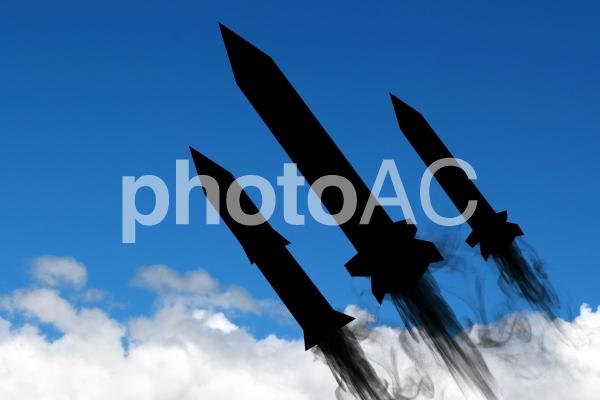 核実験 ミサイル開発の写真