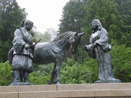 郡上八幡城 郡上市 ぐじょう 郡上八幡 山内一豊と妻の像
