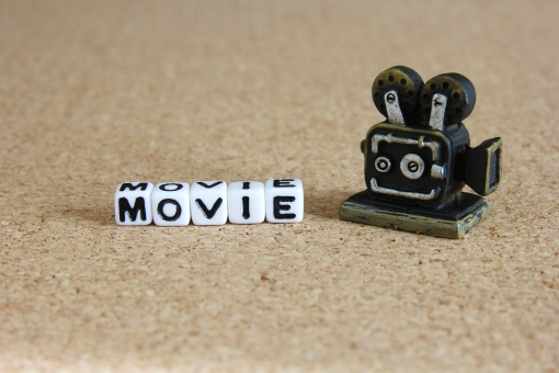 ムービー MOVIE Movie movie 動画 ビデオ 映像 連続写真 スタジオ 現場 ビジネス 広告 ビデオカメラ スタッフ テレビCM CM PR 撮影 編集 シナリオ 企画 構成 テロップ 音声 BGM 背景 素材 壁紙 タイトル 表紙