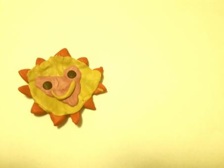 粘土の太陽の写真