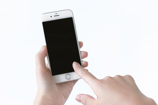 スマホ スマートフォン 携帯 携帯電話 人物 手 指 白バック 白背景 モバイル ビジネス アプリ メール メールチェック 電話 ネット 情報 通信 iPhone Facebook LINE SNS Twitter 女性らしさ MVNO sim Wi-Fi WiFi ゲーム