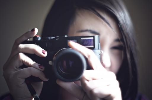 人物 生物 人間 女性 アメリカ人 外国人 異国 アーティスト パフォーマンス 美しい 綺麗 風景 スナップ カメラ カメラマン 撮影 写真 モデル シーン 機械 電子機器 デジカメ 趣味 職業 撮影技師  ビジネス mdff048