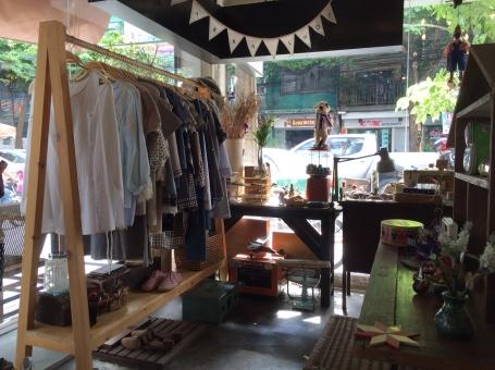バンコク 洋服屋 雑貨屋 小物 外国 外国人 涼しい ミシン ハンドメイド 手作り 布小物 女子