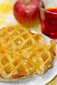 食べ物 飲み物 お菓子 菓子 焼き菓子 パイ アップルパイ リンゴ りんご リンゴパイ アップルティー 紅茶 おやつ スィーツ 秋