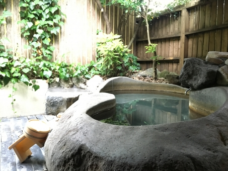 旅館 半露天 露天 お風呂 風呂 岩風呂 温泉