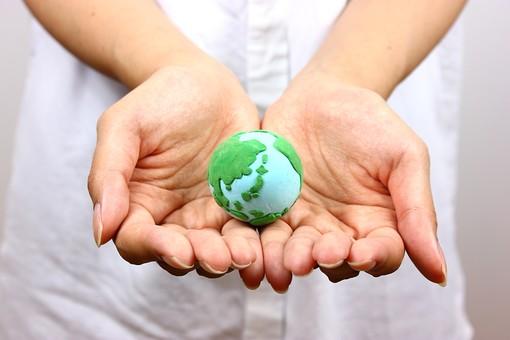 クレイ クレイアート ねんど 粘土 クラフト 人形 アート 粘土作品 かわいい 地球 地球儀 環境 エコ エコロジー ロハス 自然 環境問題 グローバル 世界 ワールド 社会 社会問題 国際 国際社会 他国化 日本 手 守る