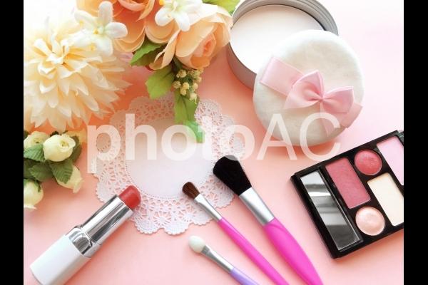 ピンク系メイクの写真