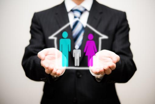 家族 親子 お金 ファミリー 夫婦 家 家庭 保険 ホーム 人物 生活 生命 ビジネス イメージ イラスト 将来 男性 未来 明るい 進路 仲良く 助ける アドバイス レクチャー 相談 会議