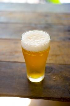 ビール びーる 麦酒 アルコール お酒 酒 さけ むぎ 麦 泡 飲み物 beer 苦味 クラフト麦酒 クラフトビール 酔う 飲み会 炭酸