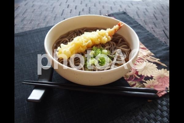 天ぷらそばの写真