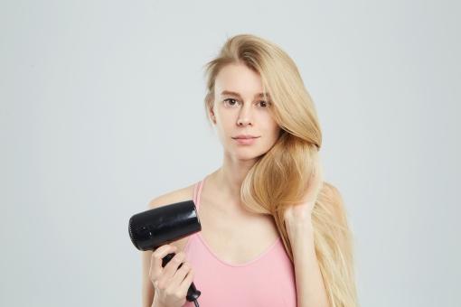髪を乾かすの写真素材|写真素材なら「写真AC」無料(フリー ...