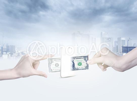 お金のやりとりの写真